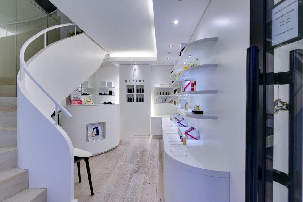showroom perfume divine nantes