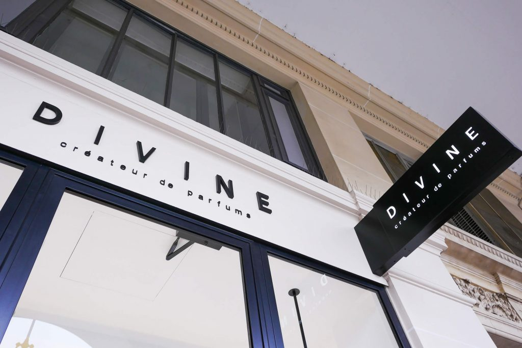 shop divine france and internationally